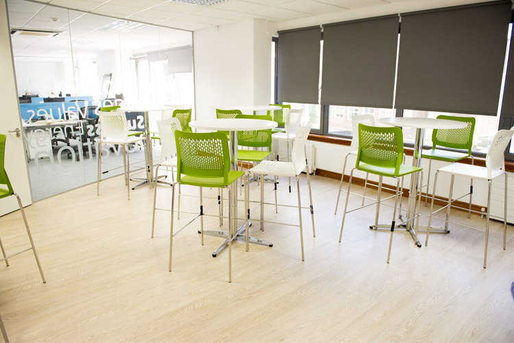 Sidetrade Canteen Fitout Seating