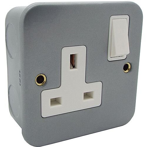 13a 1 Gang Single Pole DP Switched Metal-Clad Socket Outlet