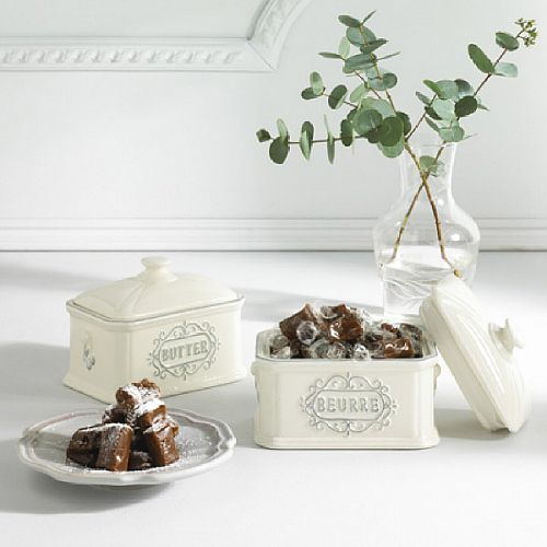 Ceramic Butter Dish Filled With Traditional Salted Soft Caramels 130G