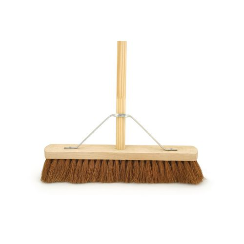 "18"" Soft Coco Broom Complete With 4'6"" Wooden Handle &Metal Support Stay"