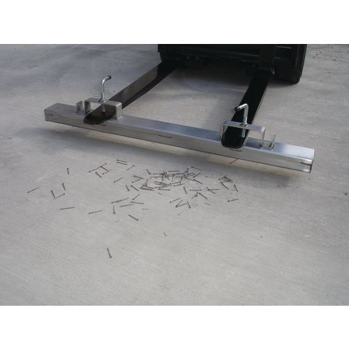 Fork Mounted Magnet 1800mm Wide