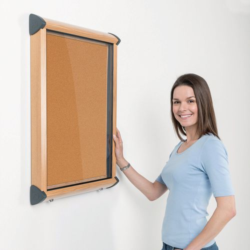 Shield Light Oak Wood Effect Exterior Showcase Lockable Notice Board 4xA4 Cork