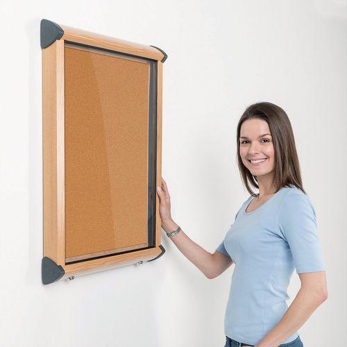 Shield Light Oak Wood Effect Exterior Showcase Lockable Notice Board 9xA4 Cork