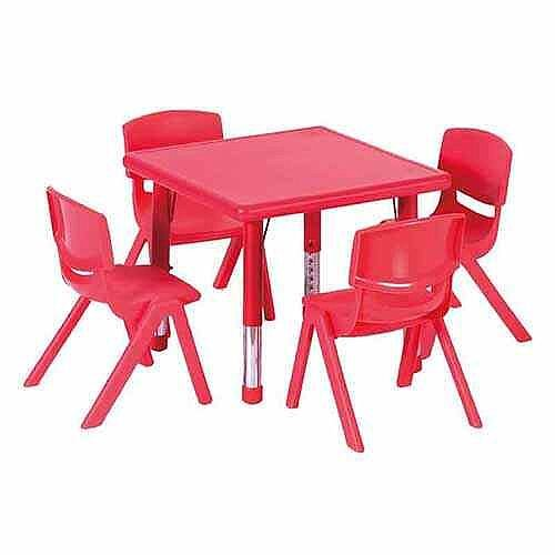 Adjustable Rec Table &4 30cm chairs