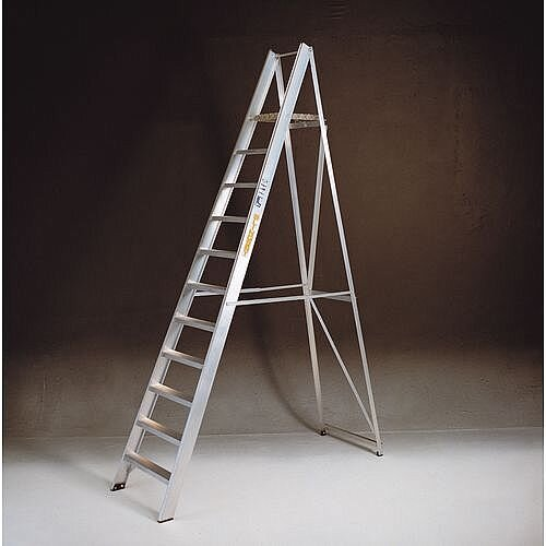 Heavy And Extra Heavy Duty 3 Tread Folding Aluminium Steps Platform Height 640Mm