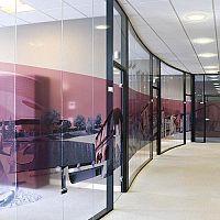 Hoyez UNIVERSE Edge to edge glazing H9 Transparence Glass partition TRAVERSE LOAD